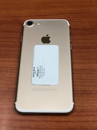 Gold iPhone 7 32GB (CARRIER UNLOCKED)