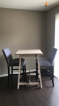 Bar table and chairs Charlotte, 28105