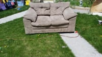 Love seat Idaho Falls, 83401