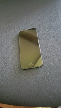 gold iPhone 6 with case Washington, 20012