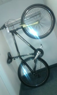 black and gray hardtail bicycle Des Moines, 50315