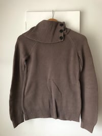 Light Brown Turtle Neck Knitted Sweater Size S-M Richmond, V6Y 2B6