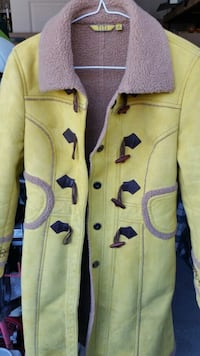 yellow and black button-up jacket Coquitlam, V3K