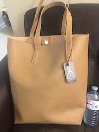 Two for one Big Brand new mustard purse Toronto, M2N 6J9