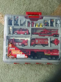 Fire truck carry case set new like Kitchener, N2M 1S7