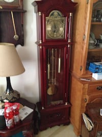 Brown wooden framed grandfather clock Humber Arm South, A0L