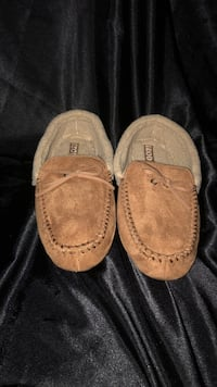 Pair of iZod loafers Brand New, Size 10-11-L Dundalk, 21222