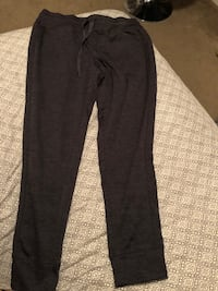 Charcoal grey joggers, size M, Only worn once  Fresno, 93727