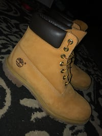 Pair of brown timberland work boots Dartmouth, B2Y 3M3