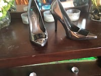 grey patent leather pointed-toe pumps Winnipeg, R3T 2J9