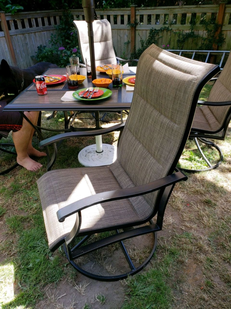 used swivel patio chairs with covers 4 30 00 each for sale in rh us letgo com