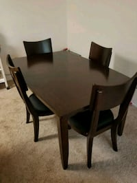 Solid Wood Dining Table w/leave insert(not in pic) Altamonte Springs, 32714