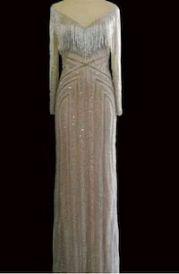 Stunning Gold Gown  Calgary, T3H 2W1
