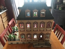 PLAYMOBIL 5301 FULLY FURNISHED VICTORIAN DOLLHOUSE