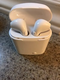 Wireless Airpods Mississauga, L5N 2Y5