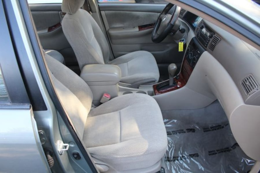 2004 Toyota Corolla for sale 9