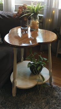 Charming side table Middletown, 10940