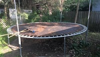round black and gray trampoline Lakeshore, N0R