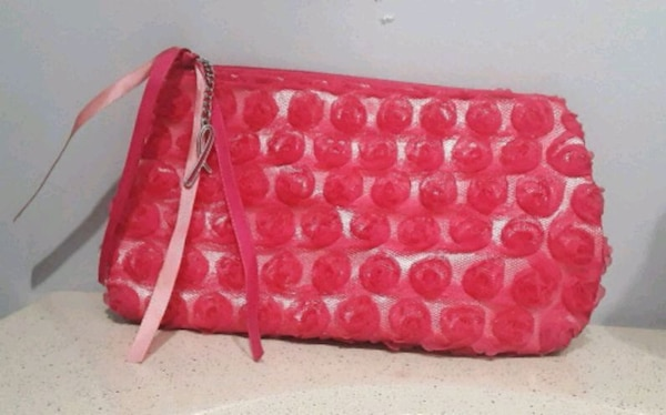 9c010d30be6 Used AVON small bag for sale in Cicero - letgo
