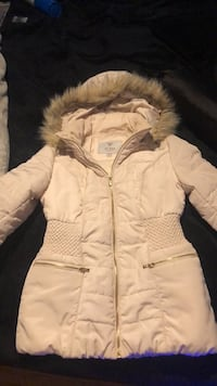 Brand new guess winter jacket size small Kitchener, N2E 1G6