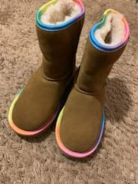 uk cheap sale huge discount best sell Used Size 8 Ugg boots for sale in Powder Springs - letgo