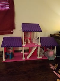 purple and pink doll house Nashville, 37216