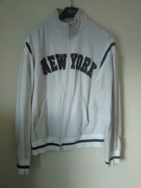 Sweater L Ajax, L1T 1W6