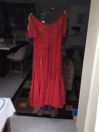 Long dress for special occasion, size small, brand new.   Brossard, J4X 1Y4