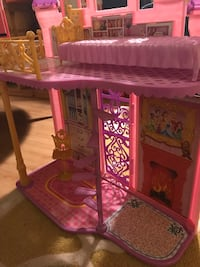 toddler's pink and purple dollhouse North Potomac, 20878
