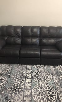Leather couch w/recliner Hampton, 23669
