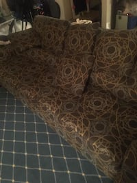 Couch for sale  Ottawa, K1L 7T7