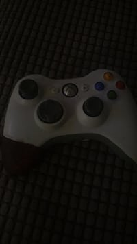Xbox360 controler Whitby, L1R 1W4