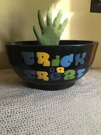 Halloween Gemmy Animated Hand Candy Bowl with Sound Whitehall, 15227