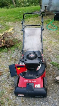 Self-propelled Troy-Bilt vac chipper Sussex County