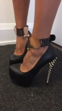 black High heels , Excellent condition Size 8.5 Toronto