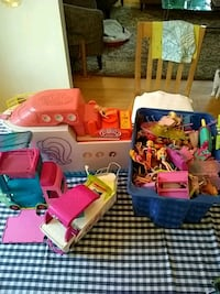Polly pocket cruise ship, bus, boat, random dolls
