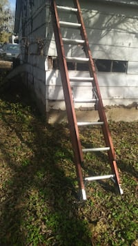 brown and gray A-frame ladder 632 mi