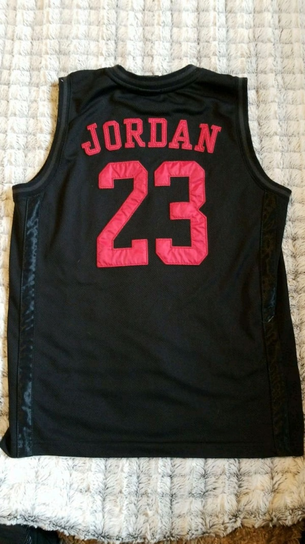 more photos 70a5e 99970 black and red Nike Lebron James 23 jersey