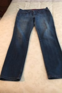 Women's Banana Republic Limited Edition size 30/10 jeans. Burnaby, V5A