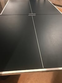 Ping pong table with paddles and balls Bowie, 20720