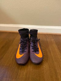 Soccer cleats size 6 Indian Head, 20640