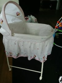 minnie mouse rocking gliding bassinet Portsmouth, 23707