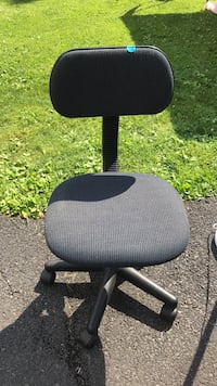 youth desk chair with wheels
