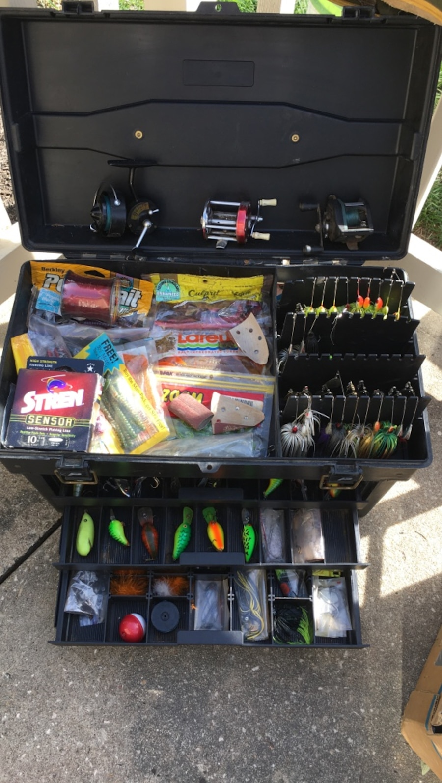 Pro fishing equipment in overland park letgo for Pro fishing gear