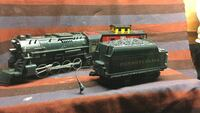 Three Lionel C scale Engine and box cars green trail scale model