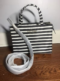Kate Spade White and black stripe leather tote bag Pickering, L1W 2R8