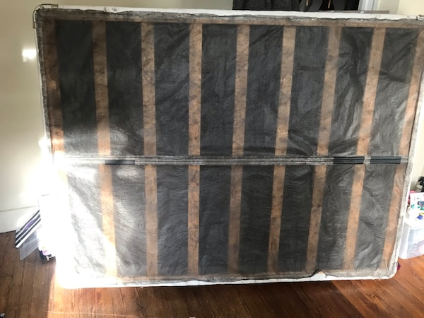 GREAT CONDITION QUEEN BOX SPRING