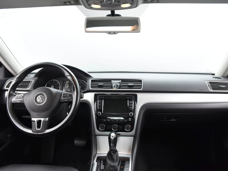 2013 VW Volkswagen Passat sedan TDI SE Sedan 4D Black  20