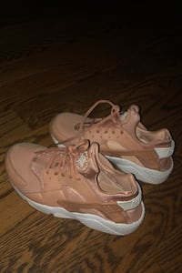 Rose gold Nike Huraches- Size 8.5