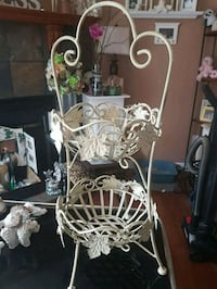 Gorgeous 2 tier kitchen stand  Whitby, L1N 8X2